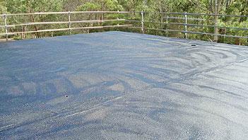 Dak lekkage oplossen met Hypertectum - de vloeibare dakbedekking.