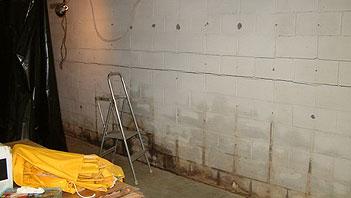 Kelders waterdicht maken tegen optrekkend vocht en vochtige muren.